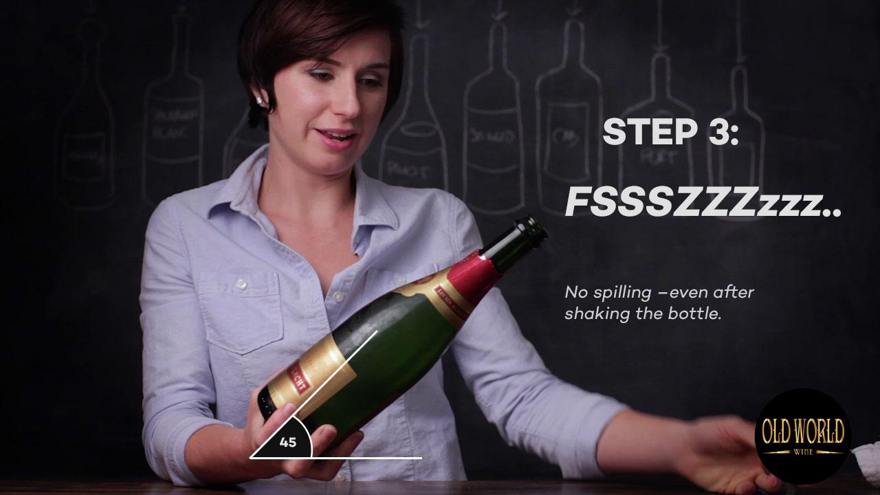 Cách mở Champagne an toàn