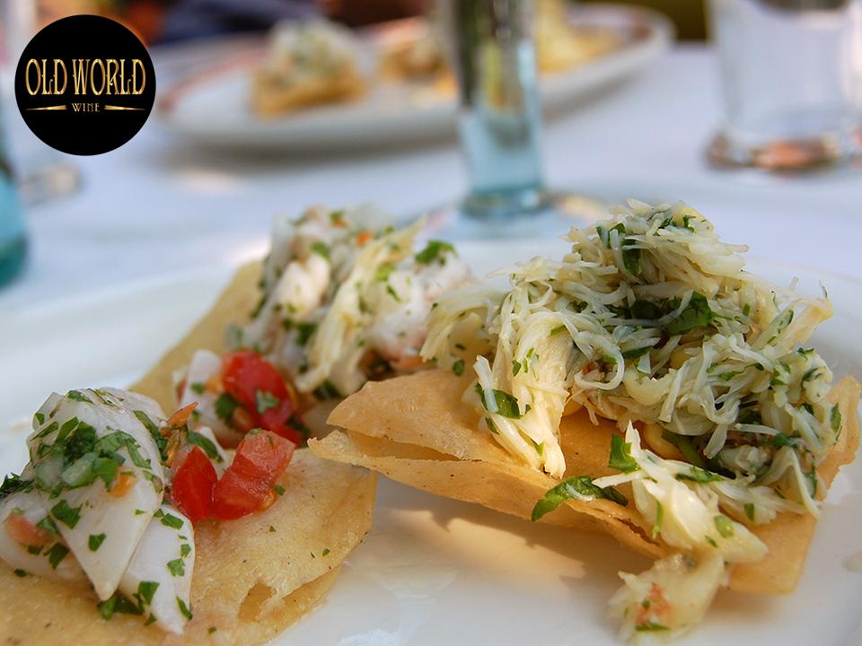 Rượu vang Albariño kết hợp tuyệt vời với ceviche và các món hải sản khác với cam quýt và các loại thảo mộc thơm.