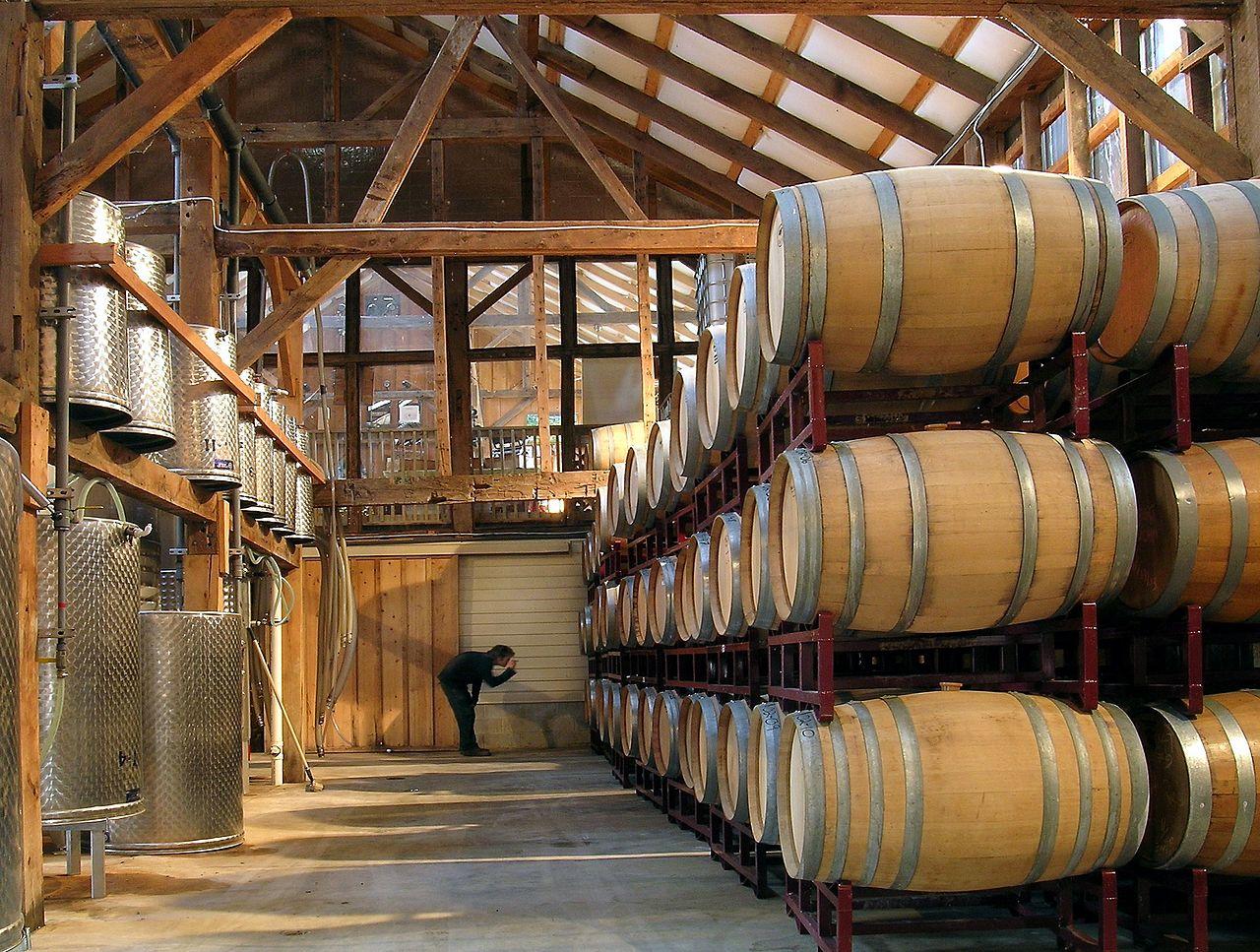 Các thùng gỗ sồi ảnh hưởng đến hương vị của rượu vang như thế nào?