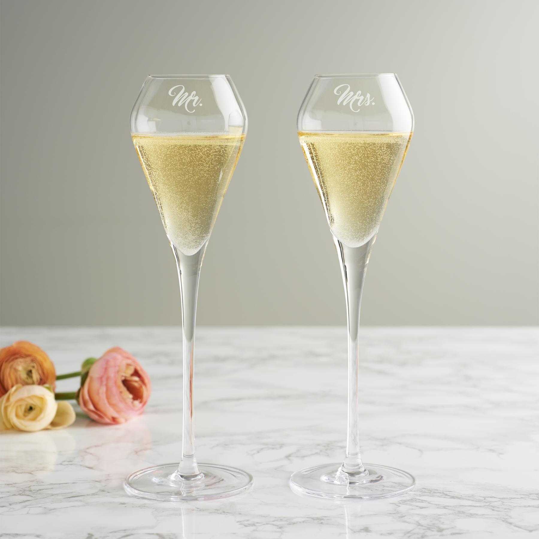 Mr-Mrs-Tulip-Champagne-Flute-Set_-27-03-2021-11-44-48.jpg