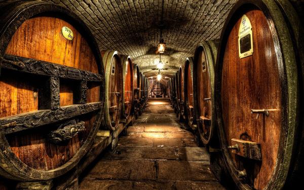 Rượu vang được dùng để trị bệnh tại Pháp